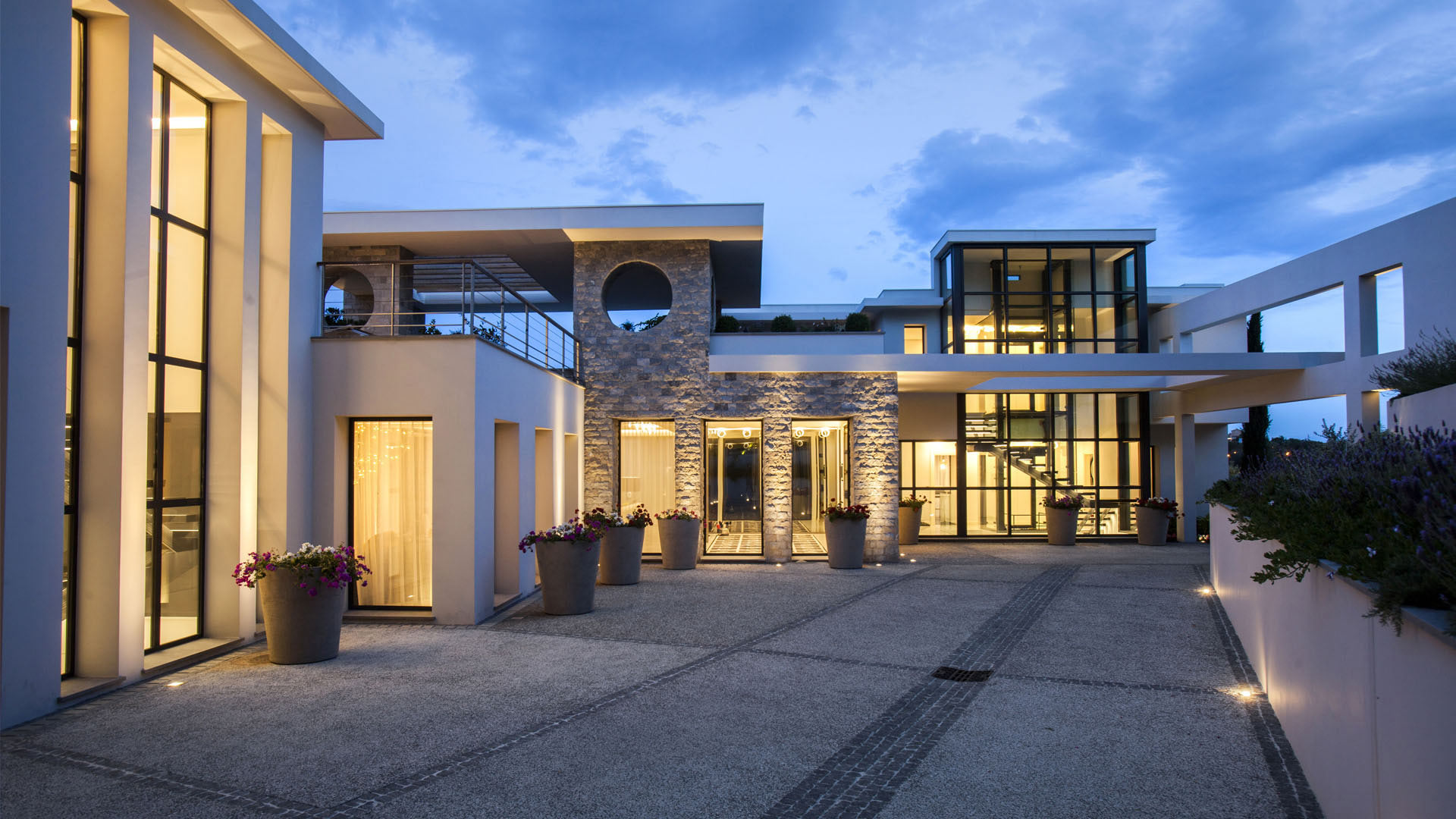 Architecte mougins cap antibes r house design for Architecte interieur antibes