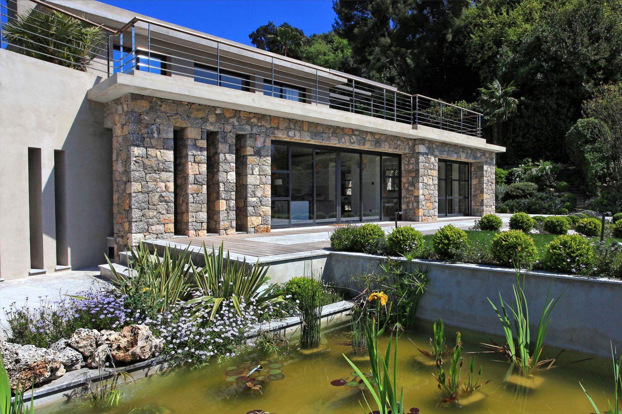 L 39 escale for R house design